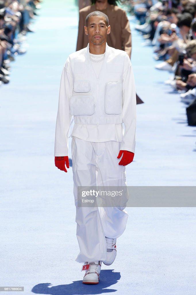 Louis Vuitton: Runway - Paris Fashion Week - Menswear Spring/Summer 2019 : ニュース写真