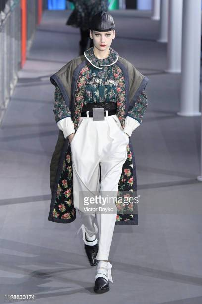 Model walks the runway during the Louis Vuitton show as part of the Paris Fashion Week Womenswear Fall/Winter 2019/2020 on March 5, 2019 in Paris,...
