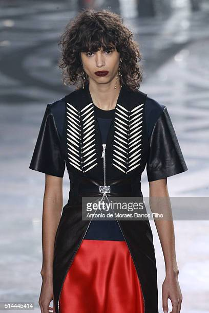 Model walks the runway during the Louis Vuitton show as part of the Paris Fashion Week Womenswear Fall/Winter 2016/2017 on March 9, 2016 in Paris,...