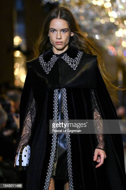 Model walks the runway during the Louis Vuitton Womenswear Spring/Summer 2022 show as part of Paris Fashion Week on October 05, 2021 in Paris, France.