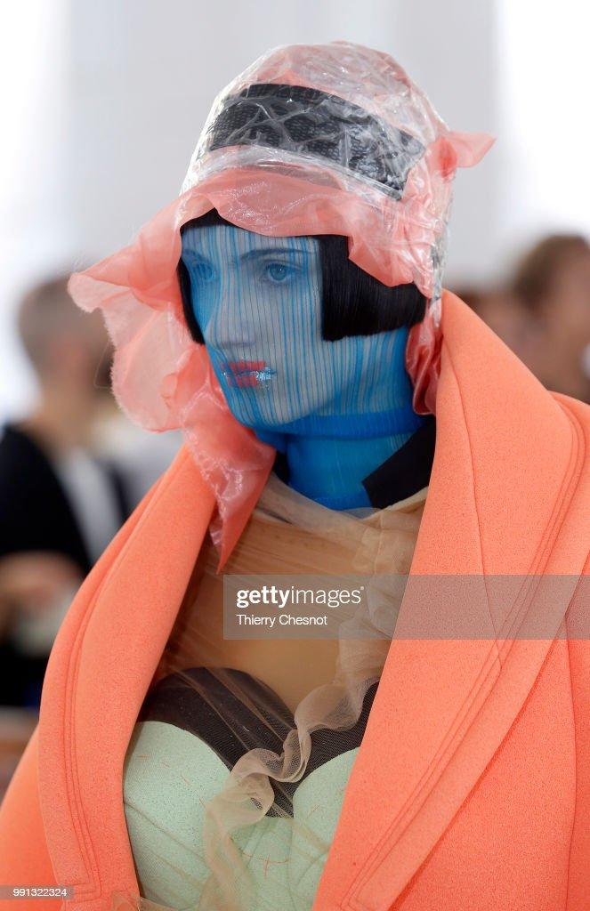 Maison Margiela : Runway - Paris Fashion Week - Haute Couture Fall Winter 2018/2019 : ニュース写真