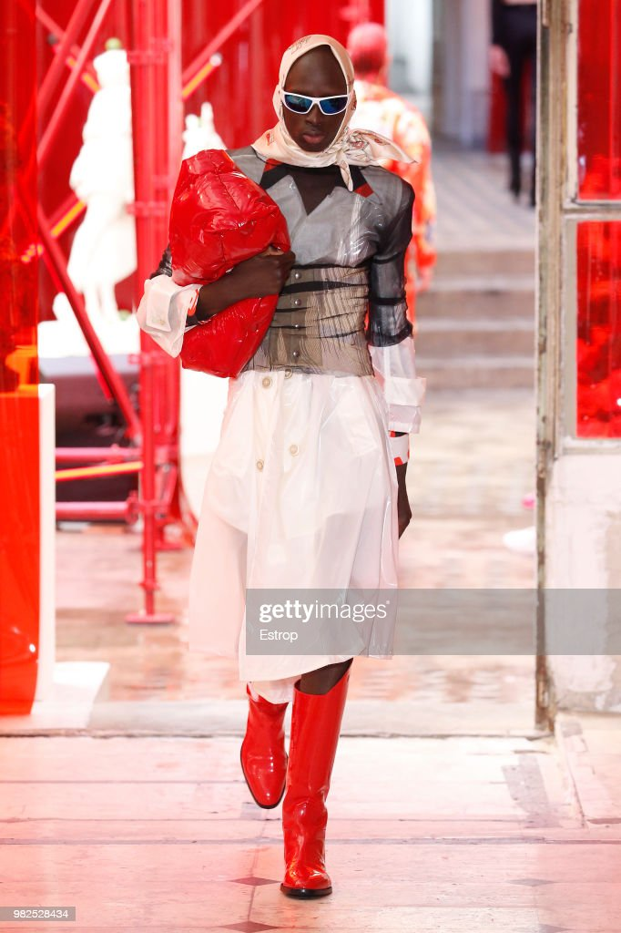 Maison Margiela : Runway - Paris Fashion Week - Menswear Spring/Summer 2019