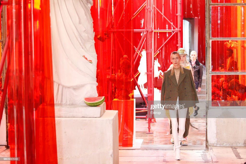 Maison Margiela : Runway - Paris Fashion Week - Menswear Spring/Summer 2019 : ニュース写真