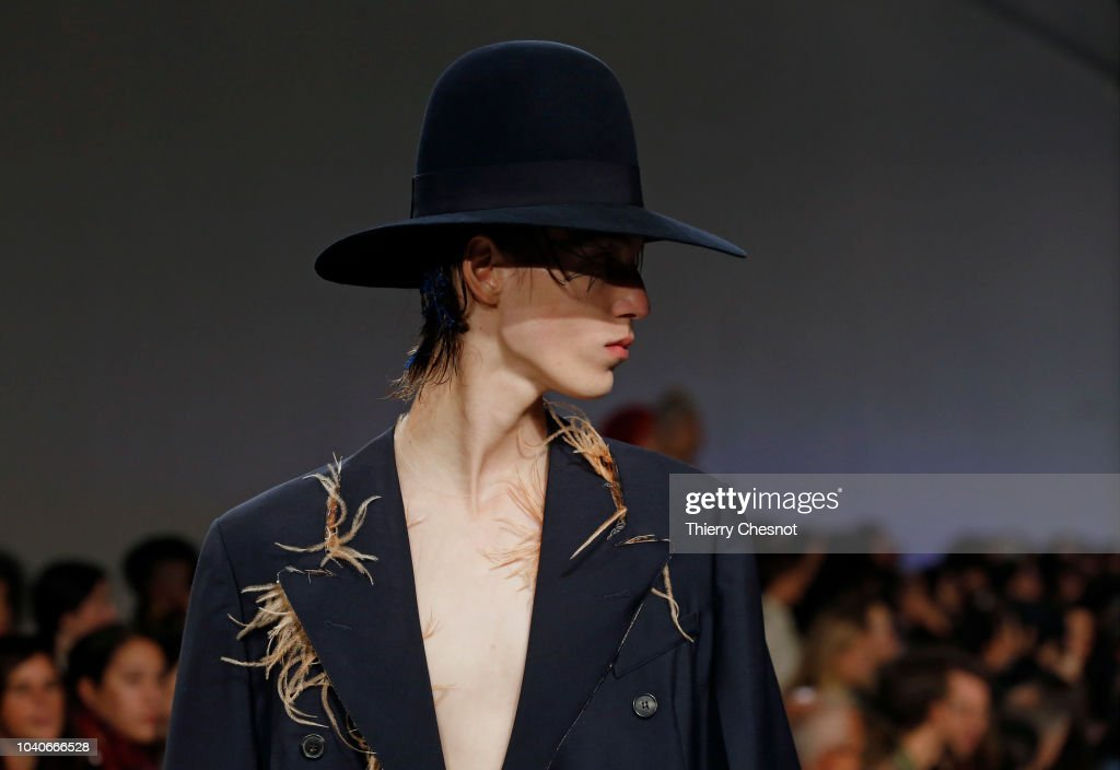 Maison Margiela : Runway - Paris Fashion Week Womenswear Spring/Summer 2019 : Nachrichtenfoto