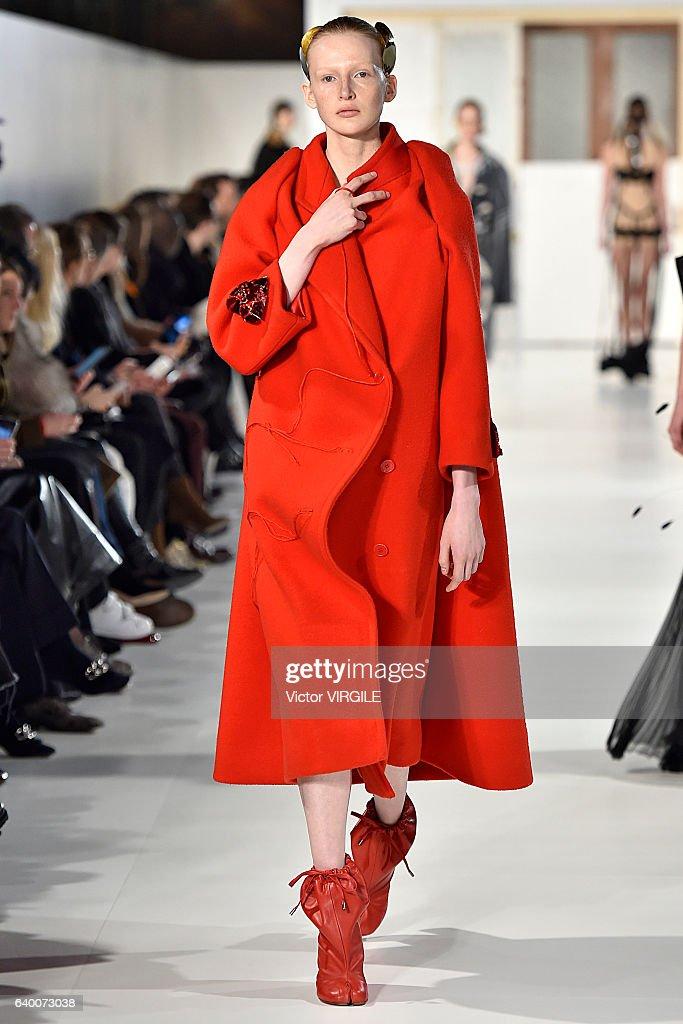 Maison Margiela : Runway - Paris Fashion Week - Haute Couture Spring Summer 2017 : News Photo