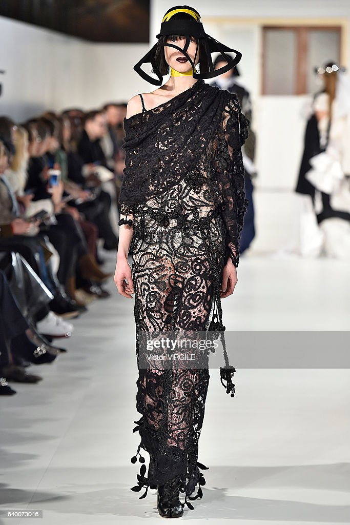 Maison Margiela : Runway - Paris Fashion Week - Haute Couture Spring Summer 2017 : News Photo