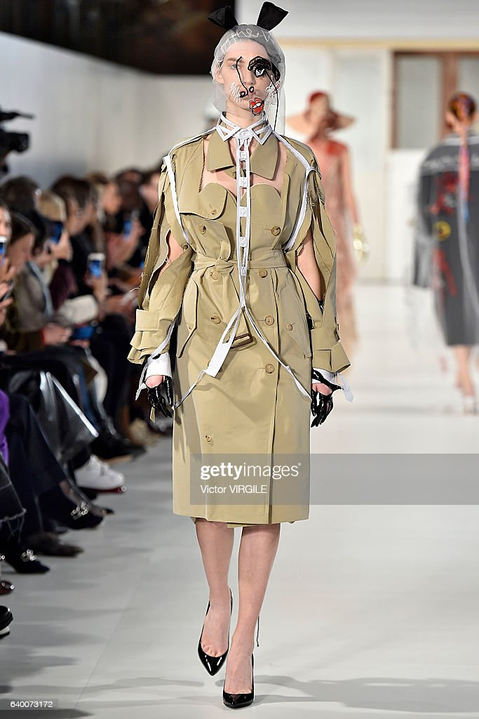 Maison Margiela : Runway - Paris Fashion Week - Haute Couture Spring Summer 2017 : ニュース写真