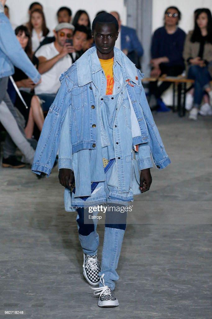 Maison Mihara Yasuhiro: Runway - Paris Fashion Week - Menswear Spring/Summer 2019 : ニュース写真