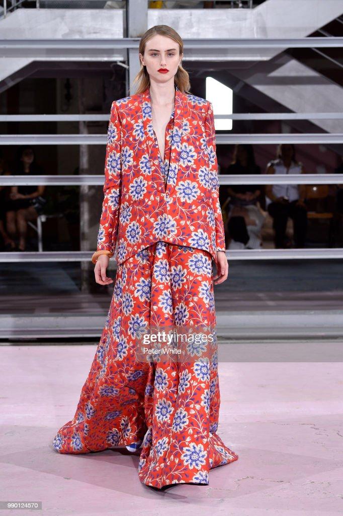 b80523132 Maison Rabih Kayrouz : Runway - Paris Fashion Week - Haute Couture Fall  Winter 2018/