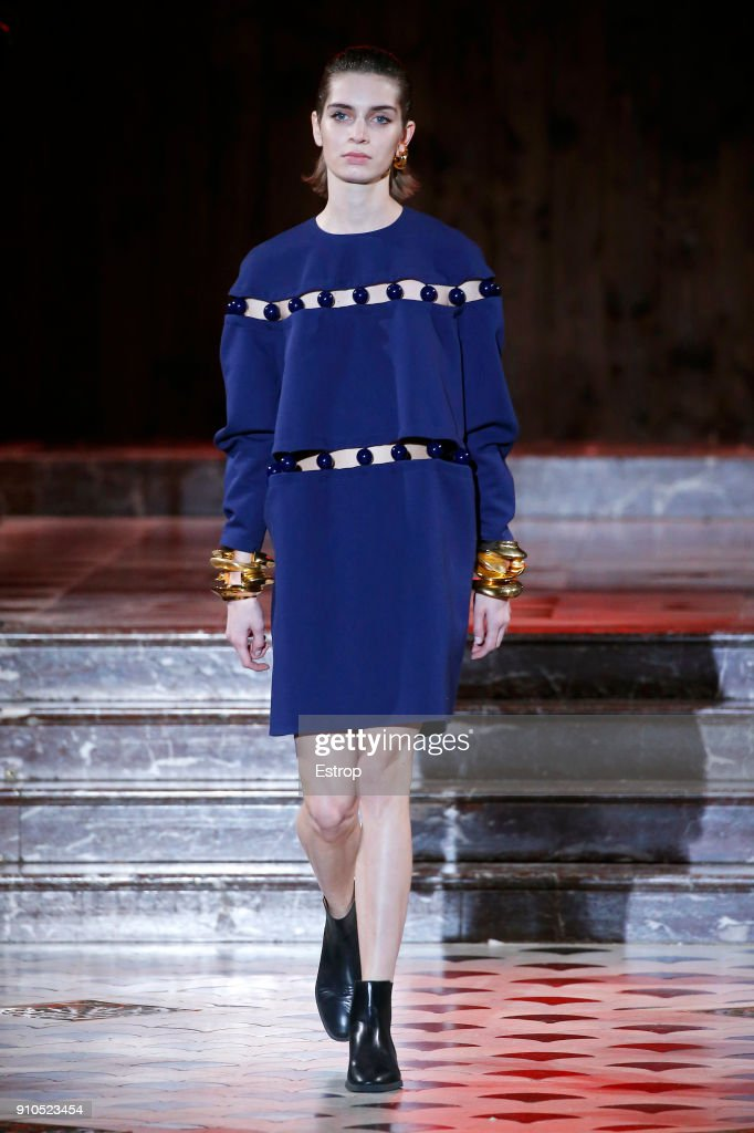 model-walks-the-runway-during-the-maison-rabih-kayrouz-spring-summer-picture-id910523454