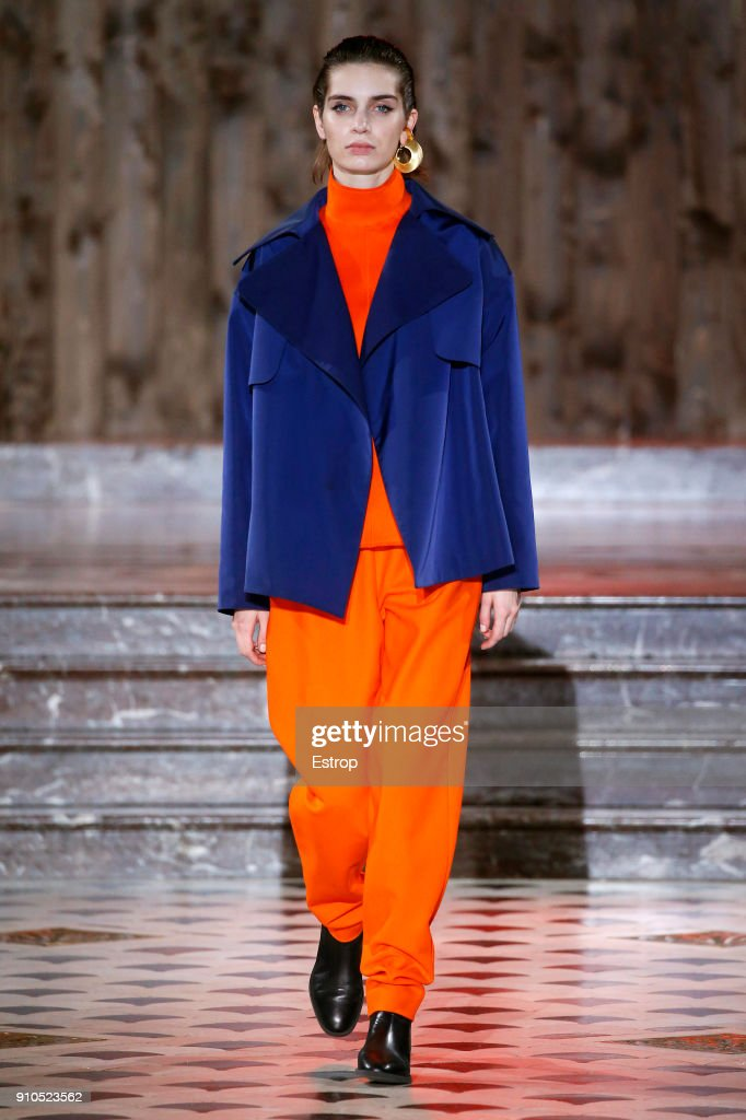 model-walks-the-runway-during-the-maison-rabih-kayrouz-spring-summer-picture-id910523562