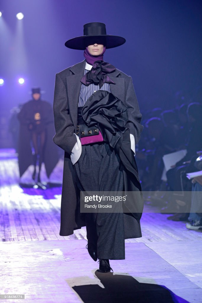 Marc Jacobs - Runway - February 2018 - New York Fashion Week: The ShowsThe Shows : News Photo