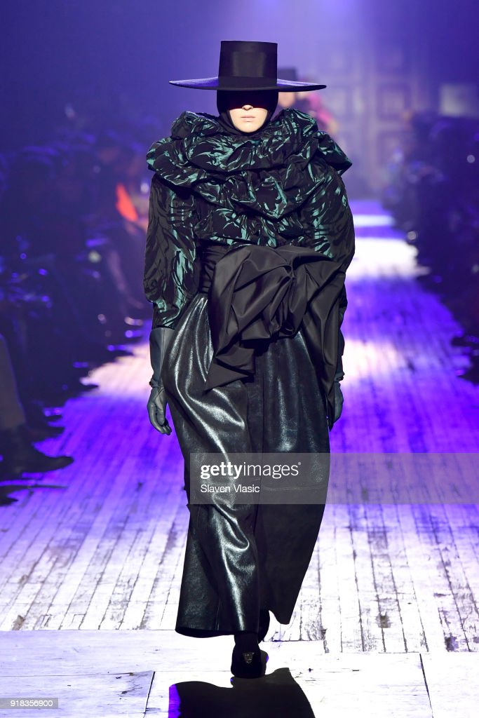 Marc Jacobs Fall 2018 Show : News Photo