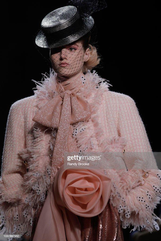 Marc Jacobs - Runway - September 2018 - New York Fashion Week : News Photo