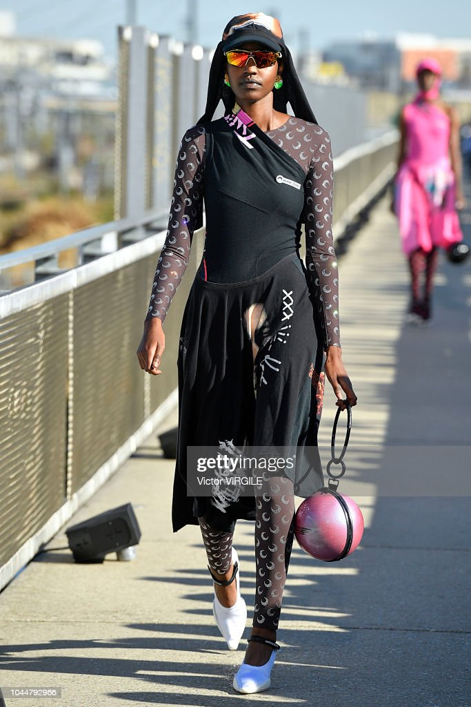 Marine Serre : Runway - Paris Fashion Week Womenswear Spring/Summer 2019 : News Photo