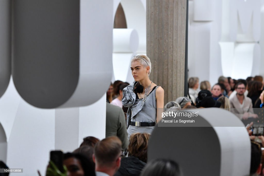 Miu Miu : Runway - Paris Fashion Week Womenswear Spring/Summer 2019 : ニュース写真