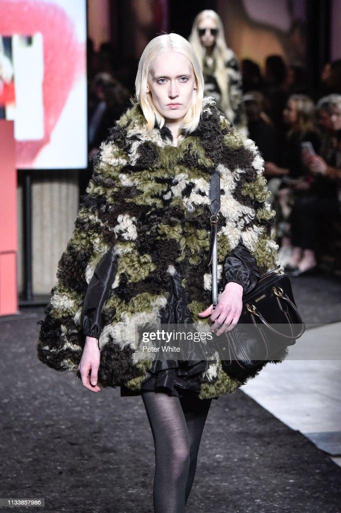 Miu Miu : Runway - Paris Fashion Week Womenswear Fall/Winter 2019/2020 : News Photo