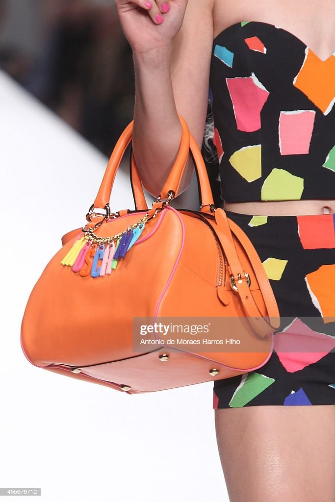 Moschino - Runway - Milan Fashion Week Womenswear Spring/Summer 2015 : News Photo