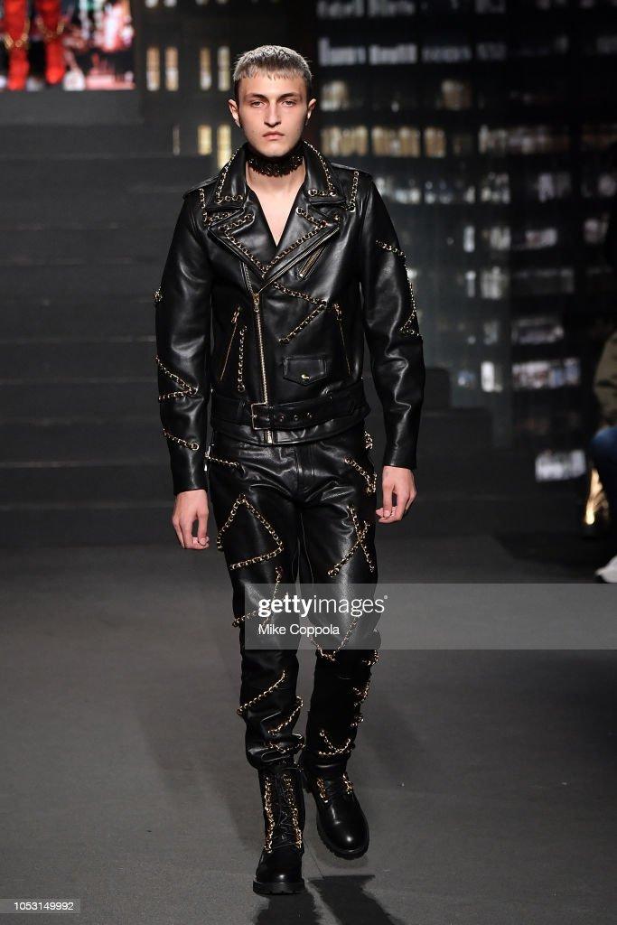 Moschino x H&M - Runway : ニュース写真
