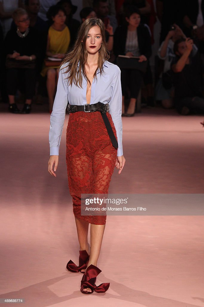N°21 - Runway - Milan Fashion Week Womenswear Spring/Summer 2015 : News Photo