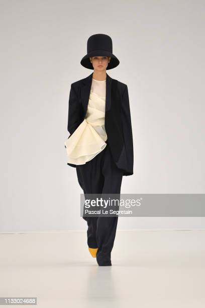 A model walks the runway during the Nina Ricci show as part of the Paris Fashion Week Womenswear Fall/Winter 2019/2020 on March 01 2019 in Paris...