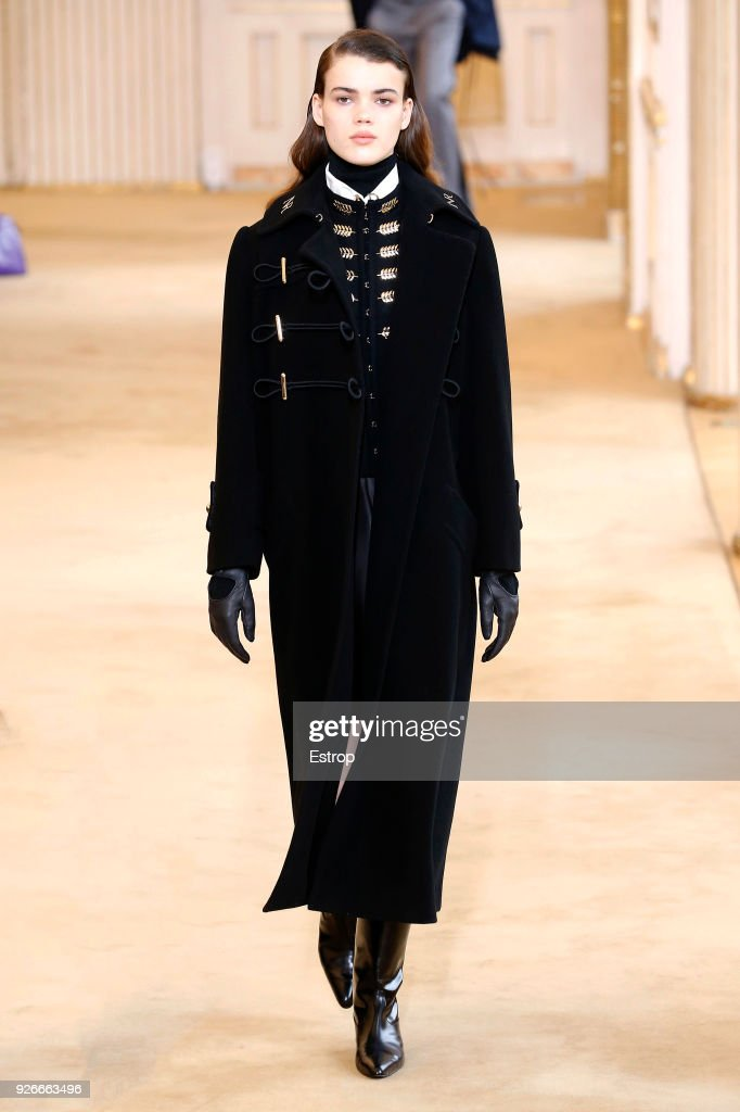 Nina Ricci : Runway - Paris Fashion Week Womenswear Fall/Winter 2018/2019 : ニュース写真