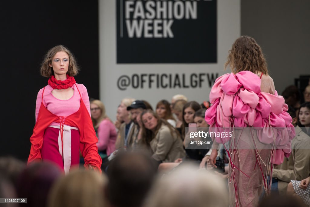 A Model Walks The Runway During The Nottingham Trent University Show News Photo Getty Images