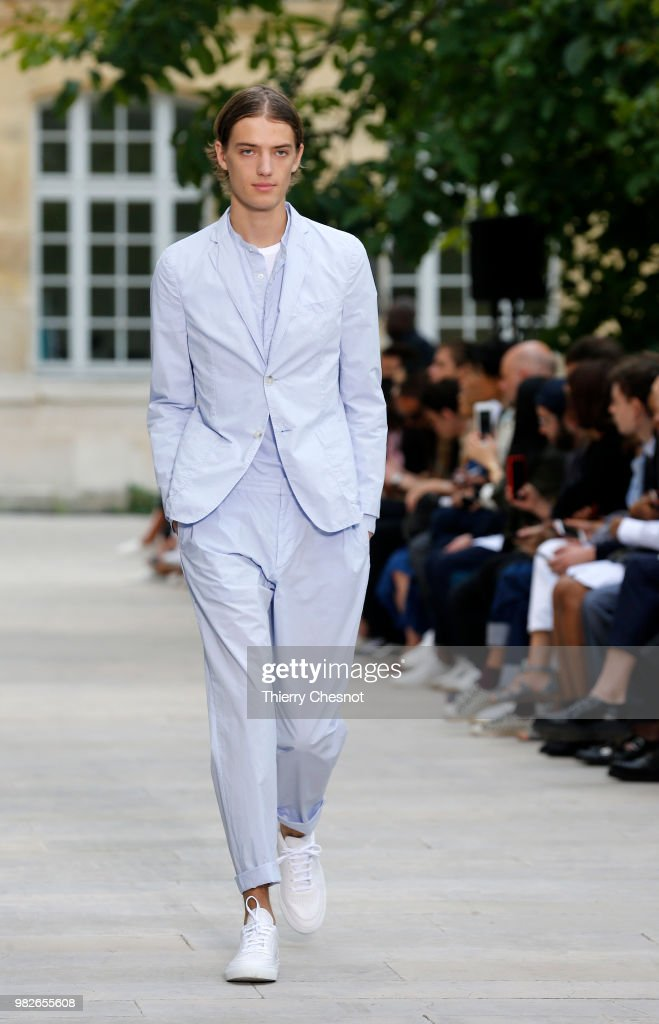 Officine Generale: Runway - Paris Fashion Week - Menswear Spring/Summer 2019