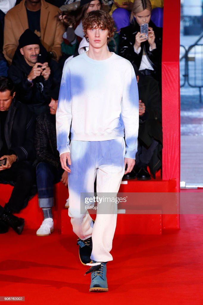 Off/White : Runway - Paris Fashion Week - Menswear F/W 2018-2019 : ニュース写真