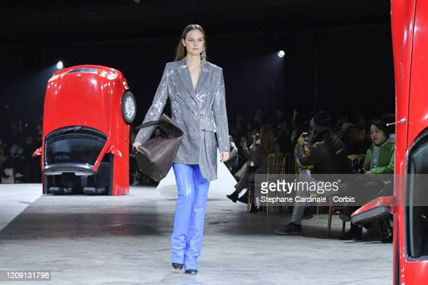 Model walks the runway during the Off-White show as part of the Paris Fashion Week Womenswear Fall/Winter 2020/2021 on February 27, 2020 in Paris,...