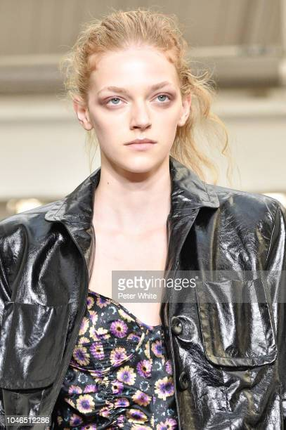 Model walks the runway during the Olivier Theyskens show as part of the Paris Fashion Week Womenswear Spring/Summer 2019 on September 28, 2018 in...