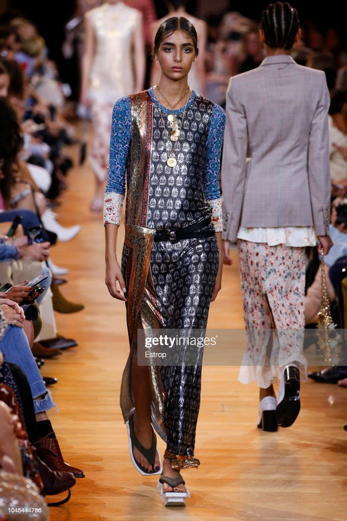 Paco Rabanne : Runway - Paris Fashion Week Womenswear Spring/Summer 2019 : ニュース写真