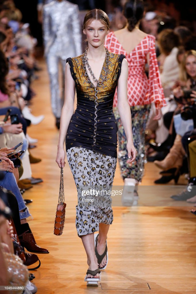 Paco Rabanne : Runway - Paris Fashion Week Womenswear Spring/Summer 2019 : ニュース写真