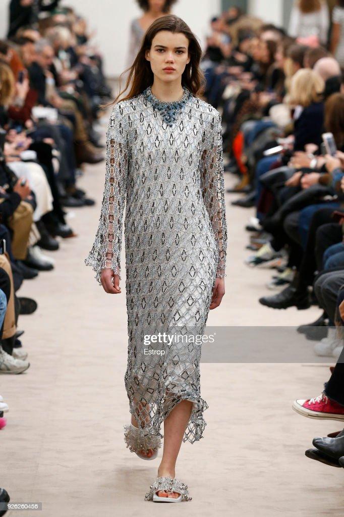 Paco Rabanne : Runway - Paris Fashion Week Womenswear Fall/Winter 2018/2019 : ニュース写真