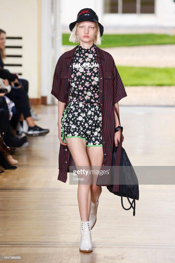 Paul & Joe : Runway - Paris Fashion Week Womenswear Spring/Summer 2019 : ニュース写真