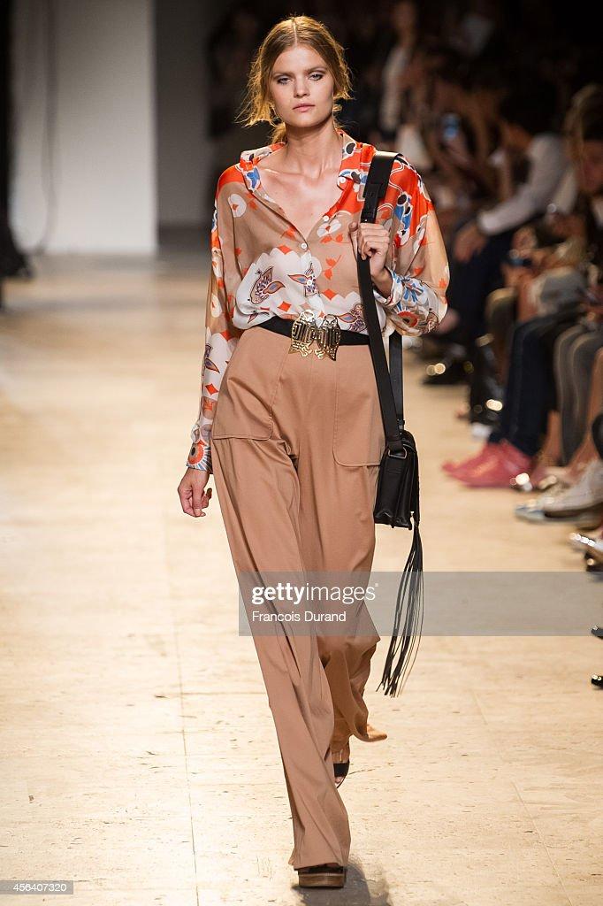 Paul & Joe : Runway - Paris Fashion Week Womenswear Spring/Summer 2015 : News Photo