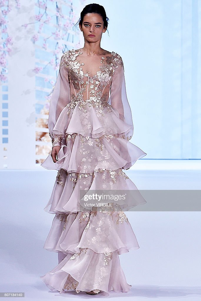 Ralph & Russo : Runway - Paris Fashion Week - Haute Couture Spring Summer 2016 : News Photo