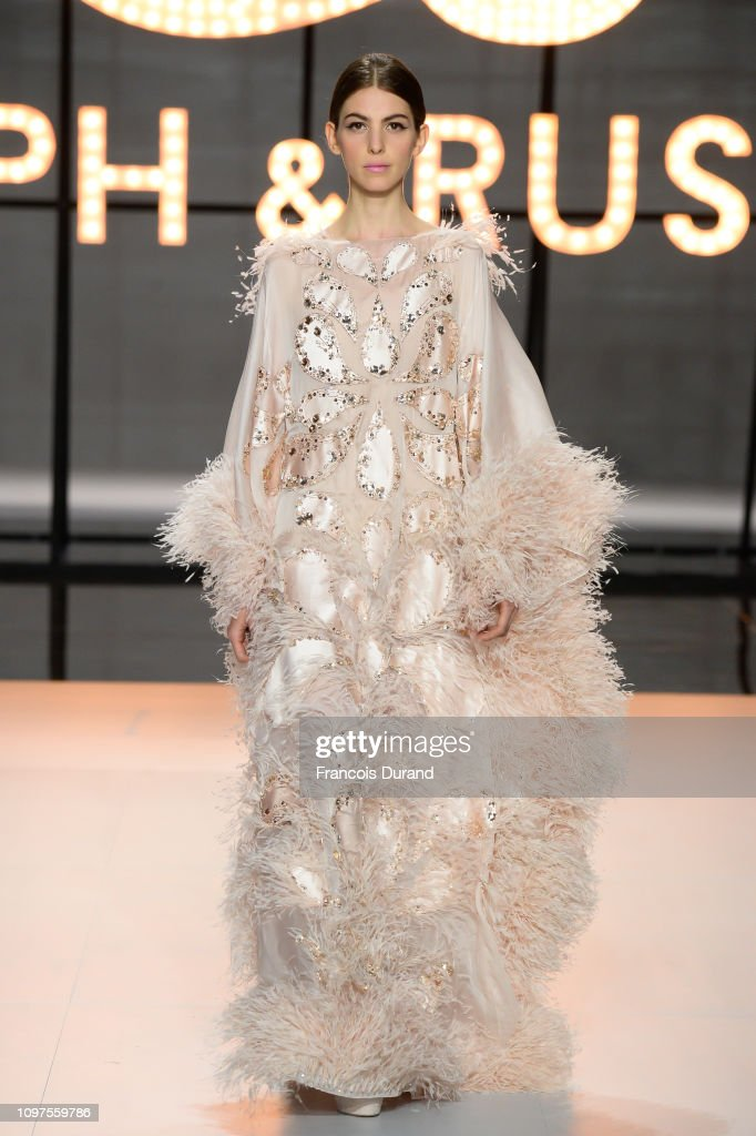 Ralph & Russo : Runway - Paris Fashion Week - Haute Couture Spring Summer 2019 : News Photo