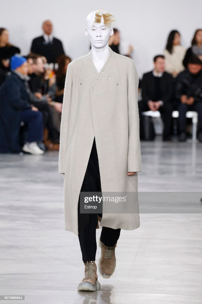Rick Owens : Runway - Paris Fashion Week - Menswear F/W 2018-2019 : ニュース写真