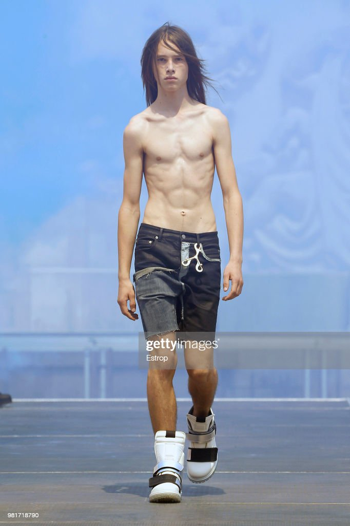 Rick Owens: Runway - Paris Fashion Week - Menswear Spring/Summer 2019
