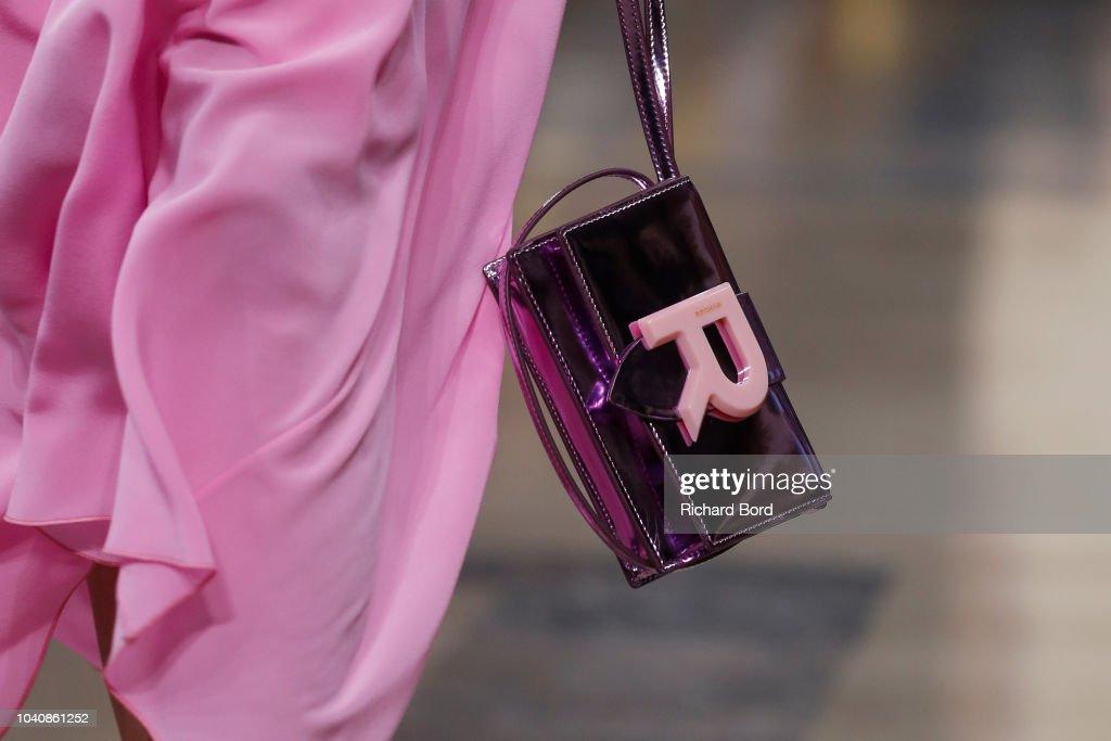 Rochas : Runway - Paris Fashion Week Womenswear Spring/Summer 2019 : ニュース写真