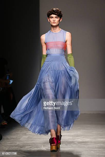 A model walks the runway during the Rochas show as part of the Paris Fashion Week Womenswear Spring/Summer 2017 at Palais de Tokyo on September 28...
