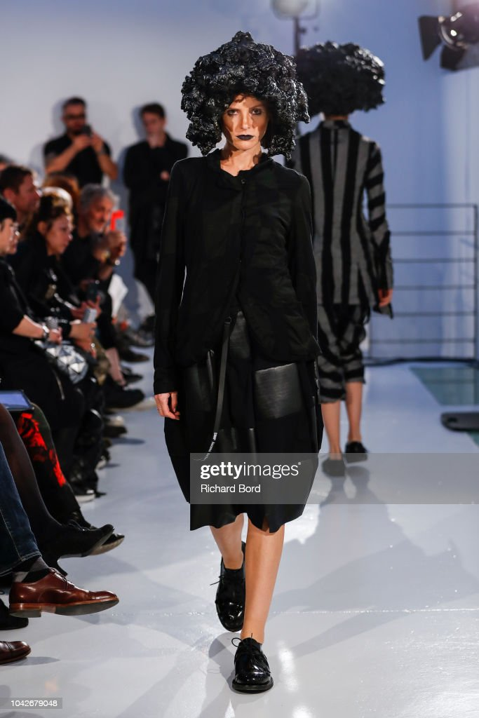model-walks-the-runway-during-the-rundzhold-show-as-part-of-the-paris-picture-id1042679048