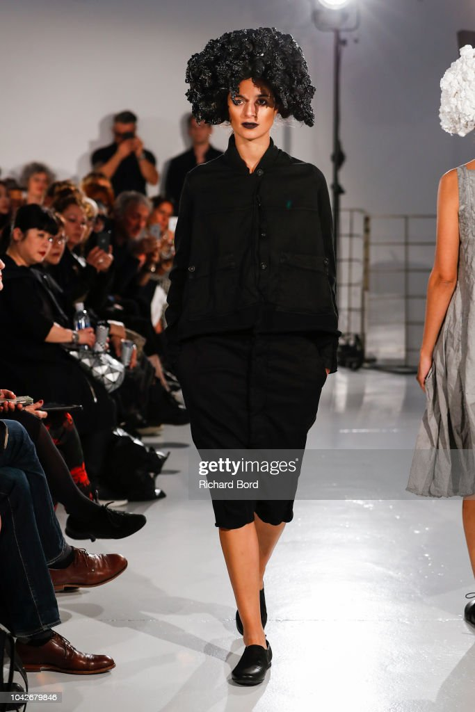 model-walks-the-runway-during-the-rundzhold-show-as-part-of-the-paris-picture-id1042679846