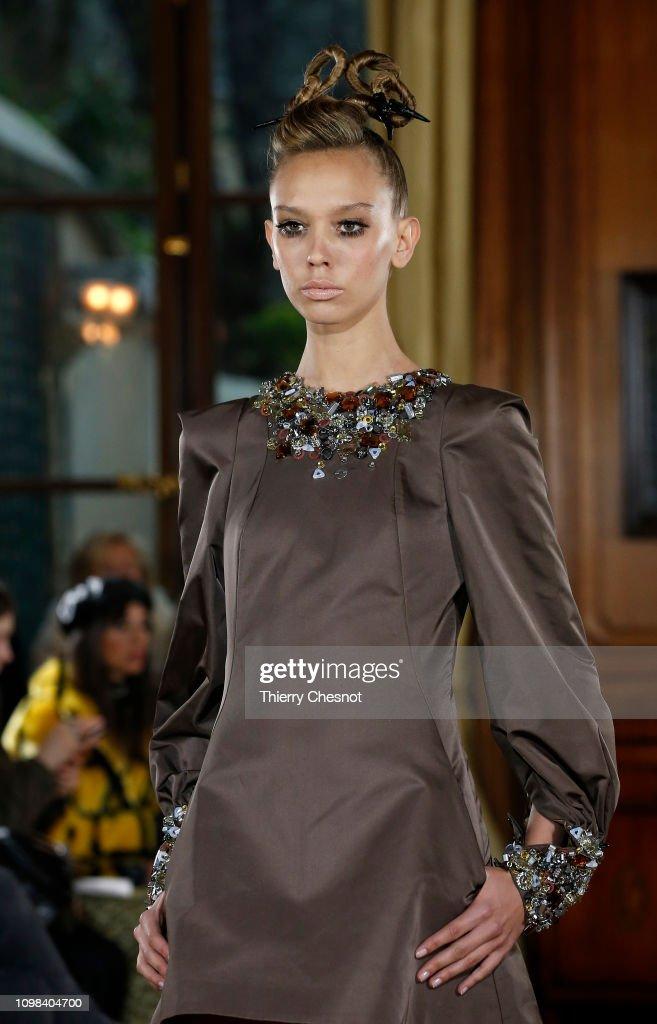 RVDK Ronald Van Der Kemp : Runway - Paris Fashion Week - Haute Couture Spring Summer 2019 : Nyhetsfoto