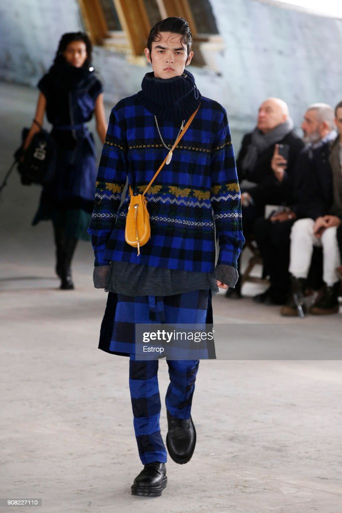 Sacai : Runway - Paris Fashion Week - Menswear F/W 2018-2019 : ニュース写真