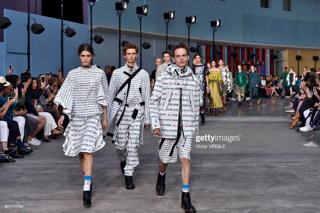 Sacai : Runway - Paris Fashion Week - Menswear Spring/Summer 2018 : ニュース写真