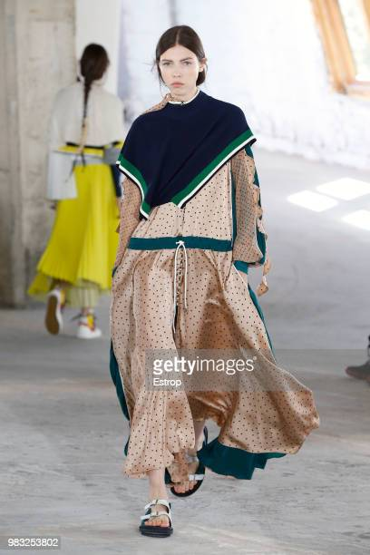 A model fashion detail walks the runway during the Sacai Menswear Spring/Summer 2019 show as part of Paris Fashion Week on June 23 2018 in Paris...