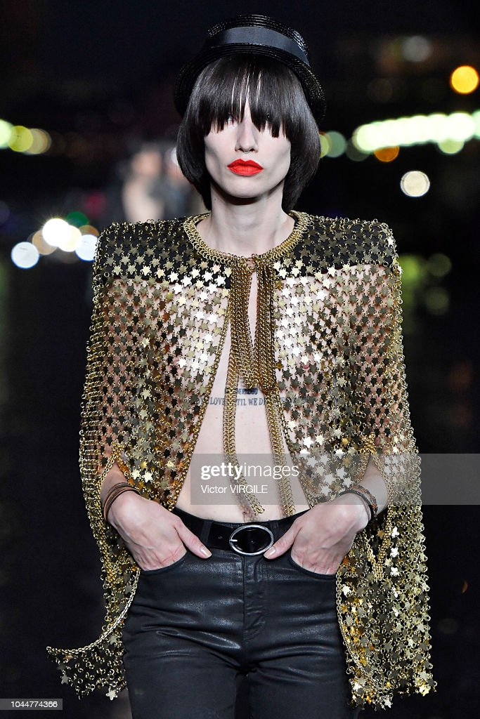 Saint Laurent : Runway - Paris Fashion Week Womenswear Spring/Summer 2019 : News Photo