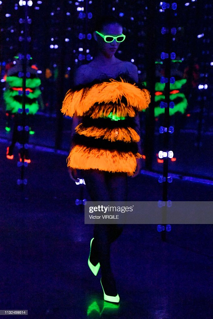 Saint Laurent - Runway - Paris Fashion Week Womenswear Fall/Winter 2019/2020 : News Photo